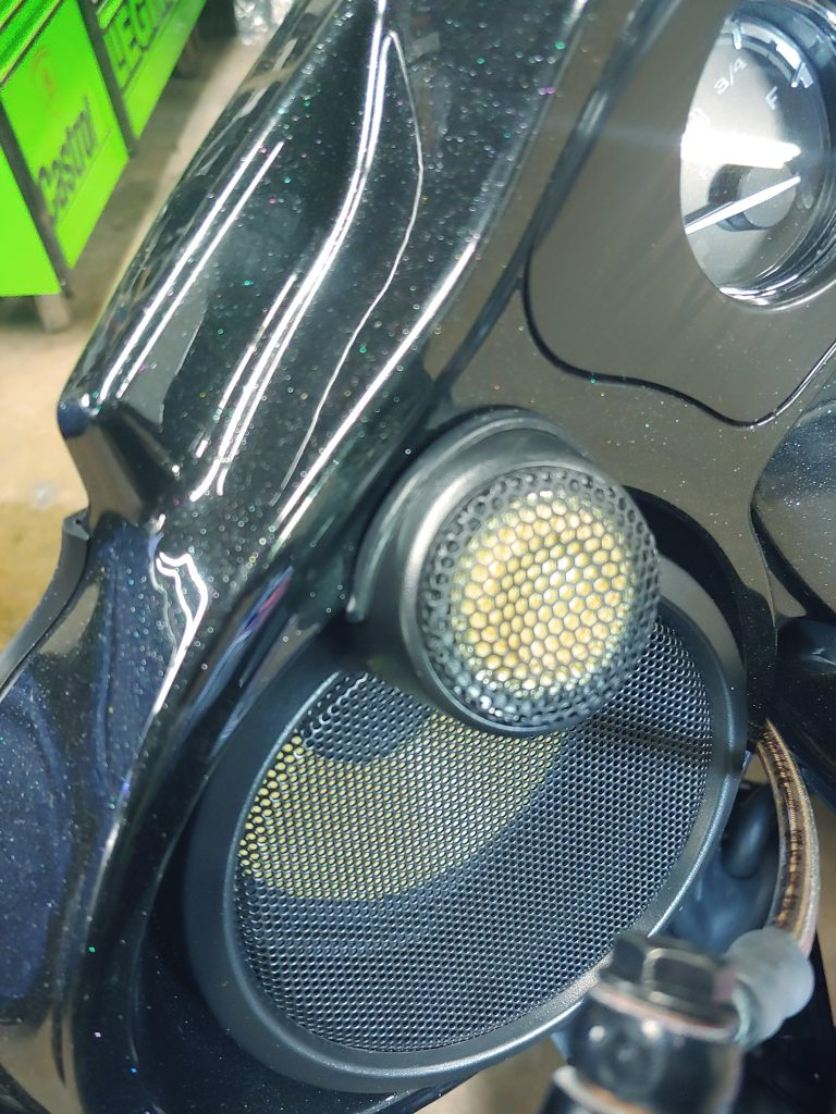 Harley Davidson Focal speakers