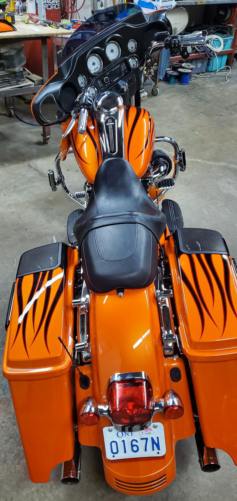установка музыки на мотоцикл Харлей Дэвидсон