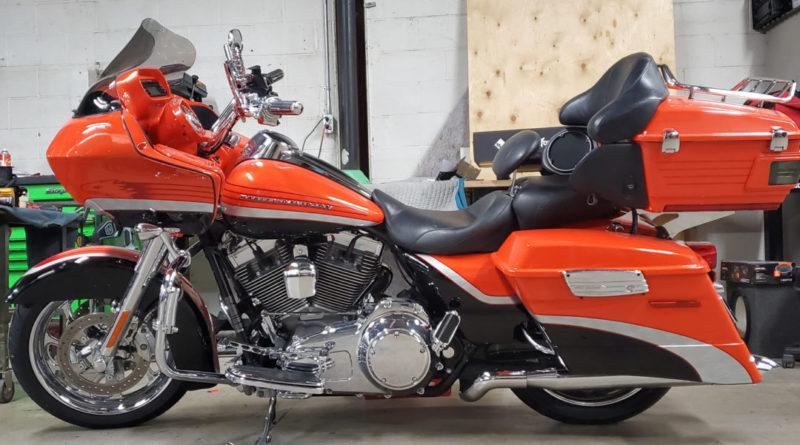 Музыкальная система для двух одинаковых Harley-Davidson Road glide CVO